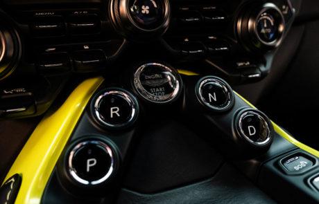 Aston Martin Vantage Presentacion DME GT Club Parrilla