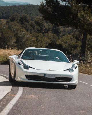 Ferrari blanco 458