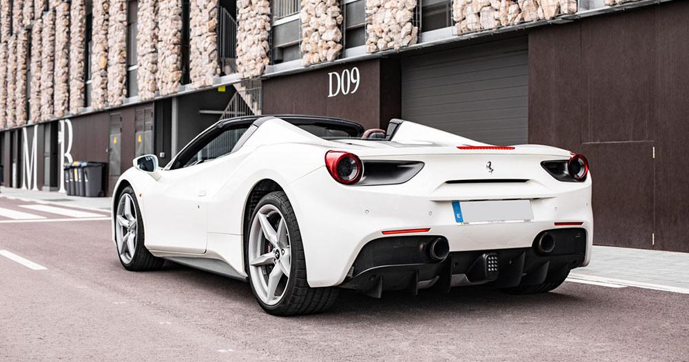 Ferrari 488 Spider 11