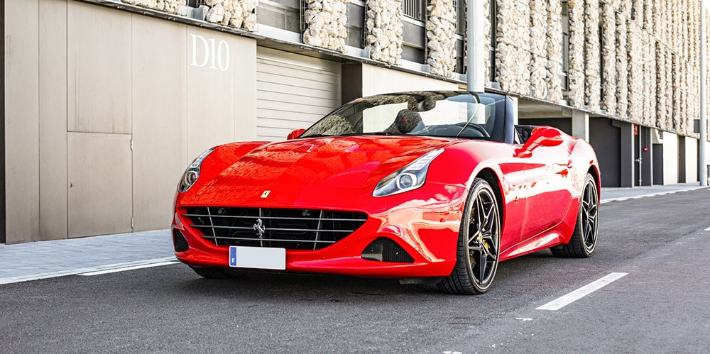Ferrari California T front 01