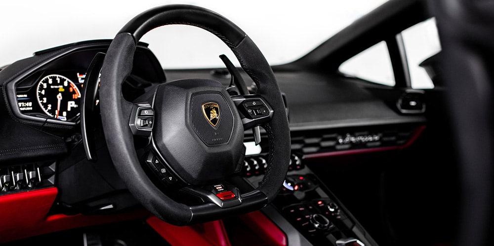 Lamborghini Huracan 11